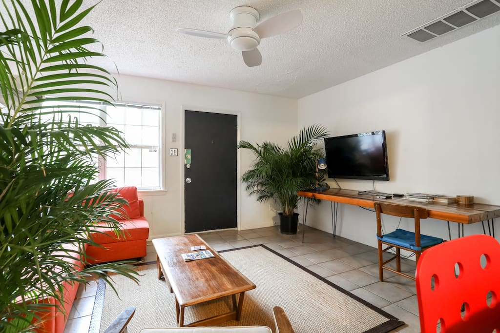 """Comfy living room with 46"""" Smart TV, Apple TV, Netflix, and HBO"""