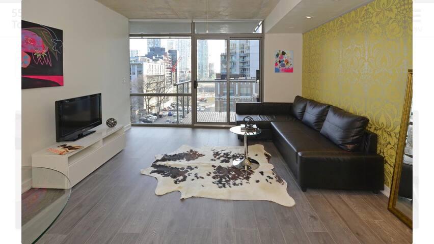 THOMPSON  HOTEL - Toronto - Apto. en complejo residencial
