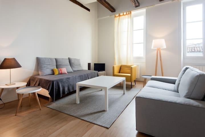 loft hyper centre lofts for rent in la rochelle poitou charentes france. Black Bedroom Furniture Sets. Home Design Ideas