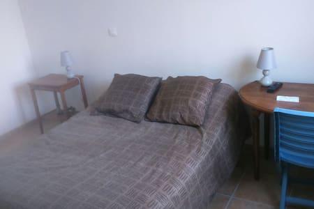 Chambre confortable maison récente - Lapalud