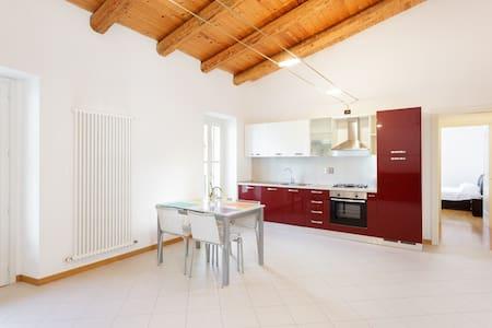 Quiet sunny two rooms in the heart of Ivrea - Ivrea