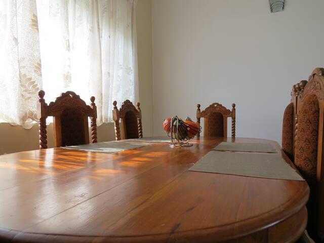 Hiru Villa - Home away from Home - Sri Jayawardenepura Kotte - Villa