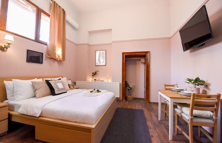 ⭐LE PETIT & COSY ⭐BEST LOCATION Old Town & Quiet