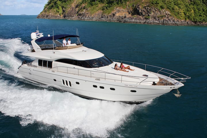 Fully catered Luxury Yacht in amazing Thailand