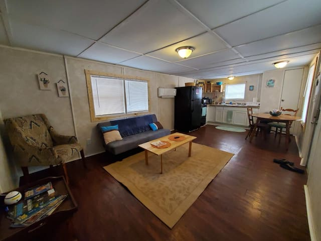 805D Mobile Home Living for Work or Short Stays
