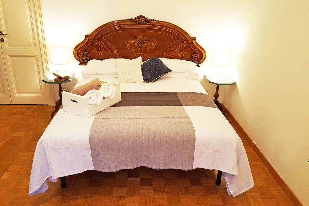 Double bed with orthopedic mattress more than 20 cm thick