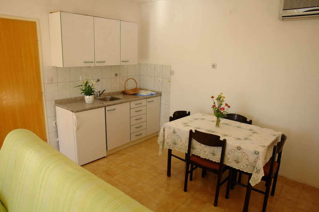 kitchen and dining room 2