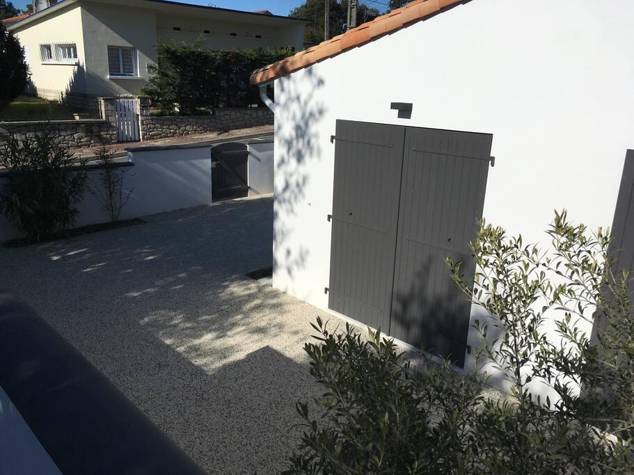 Vue extérieure de la maisonnette