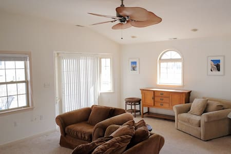 2nd Fl Home, 1 Block from Beach, Quiet South End - Ocean City - Talo