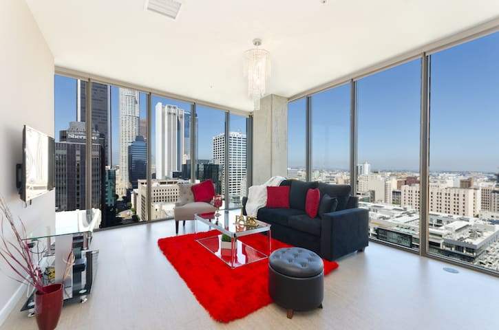URBAN DOWNTOWN LA BLACK AND RED PENTHOUSE