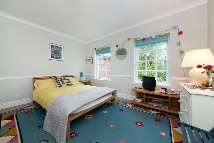 Double bedroom overlooking the front of the house - sole use bathroom a few metres along the hall