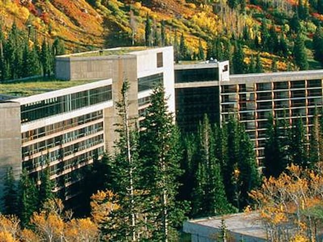 The Cliff Club in Snowbird  First time Renting