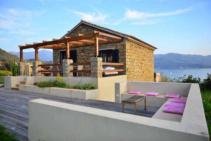 Maison en pierre face à la mer - Casaglione - Huis