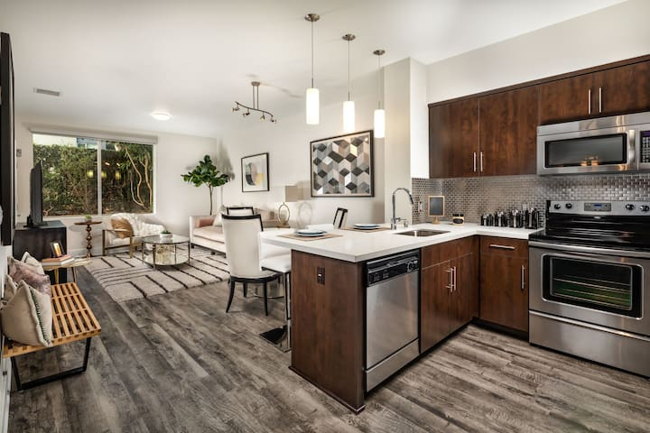 Live + Work + Stay + Easy | 1BR in Hollywood