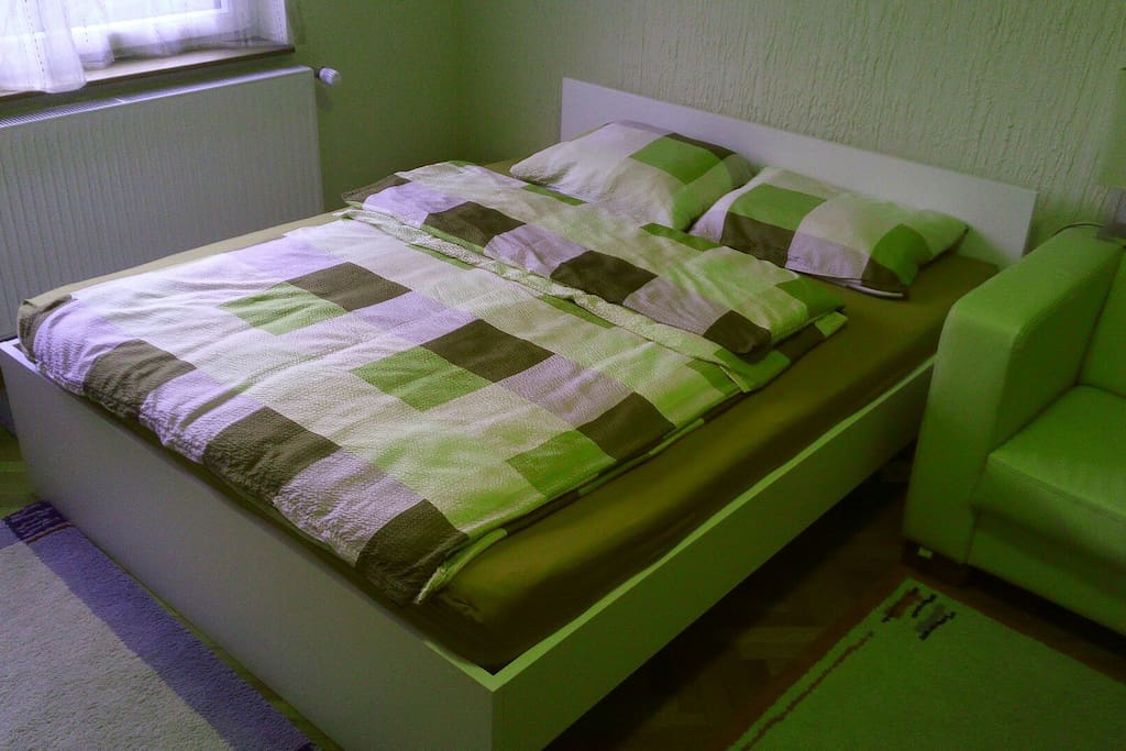Bed 200X160, new