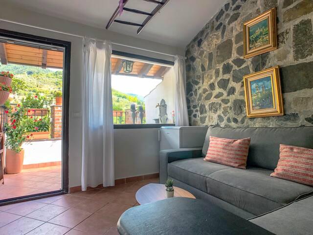 Loft livingroom with terrace (3rd floor)