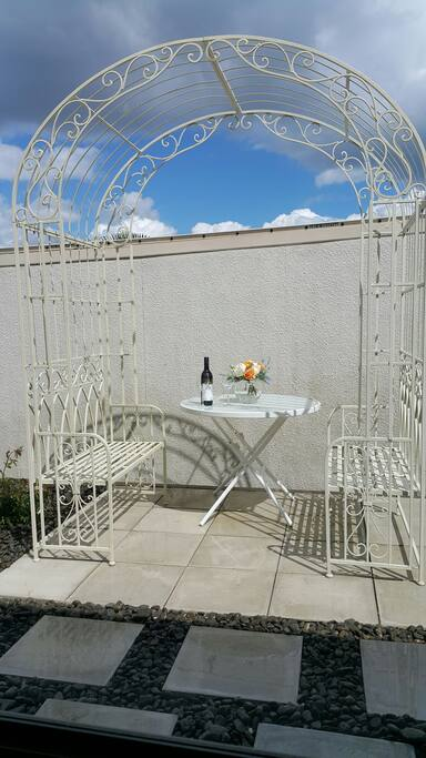 Guests private outdoor seating area