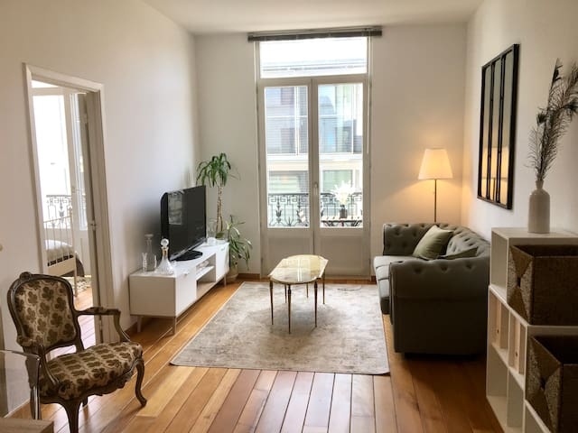 Nicely furnished apartment in downtown Brussels