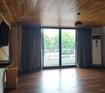 jade strand apartment
