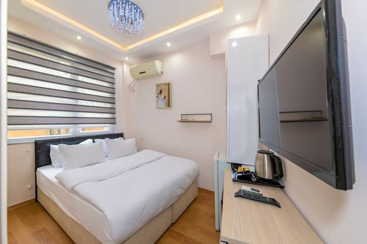 Private Standard Room very close to Taksim square3