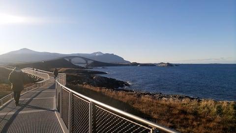 Høgberget pri Atlantic Ocean Road