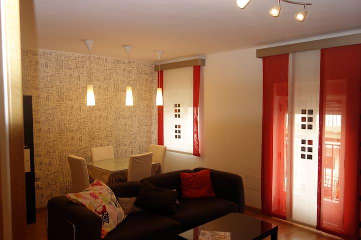 Bonito apartamento, junto a Gran Eje. - Jaén