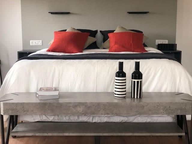 Ewa-Romantic & Beautiful  Apartment  In Jerusalem