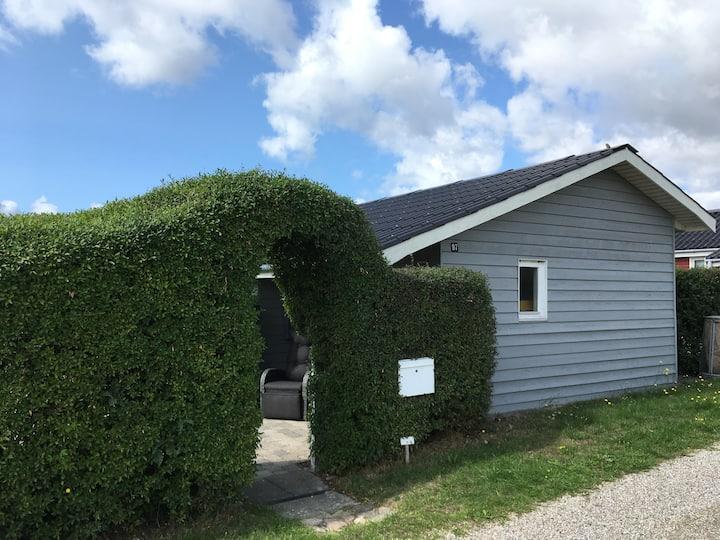 Sommerhus med havkig