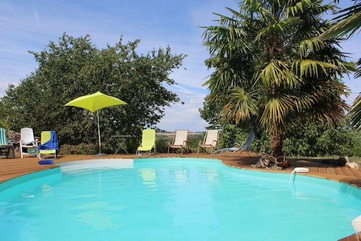 Gîte pour 4 personnes avec piscine à partager