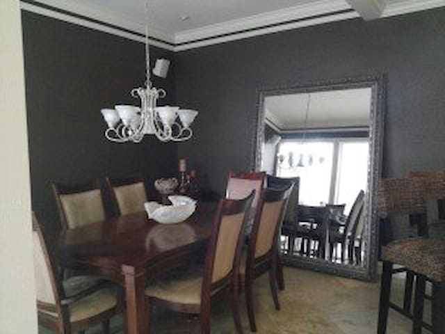 Upscale Galleria Townhome for Superbowl stay - Houston - Rumah bandar