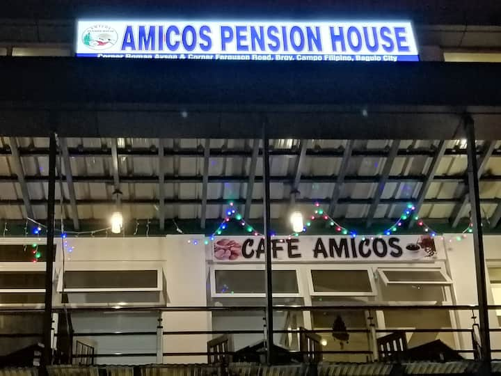 Amicos Pension House