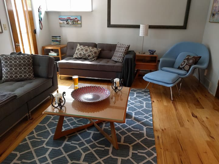Luxury suite, downtwn Lansing, Boutique hotel feel