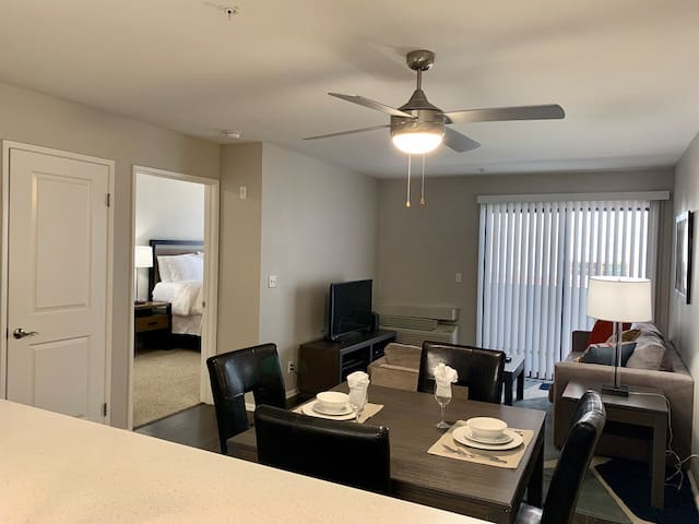 Furnished 1BR Situated in Downtown Walnut Creek!