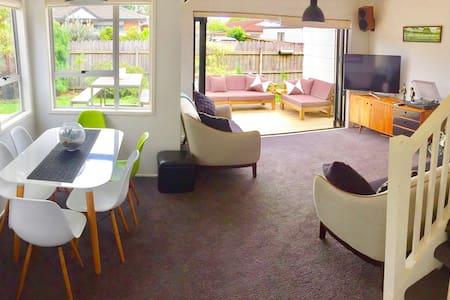 2 Bedrm House, Easy to CBD, Close to Eden Park - Auckland - Ev