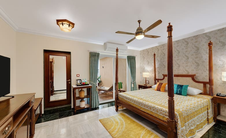 Luxury Goan Premium Sea-view room at Dona Paula - Goa - Villa