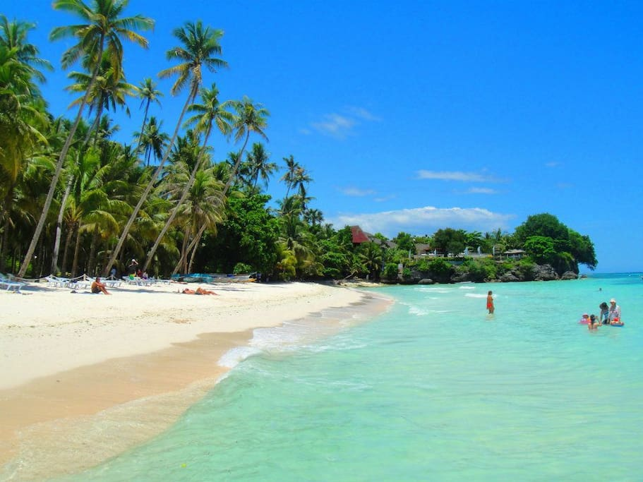 10-minute walk to the famous Alona Beach