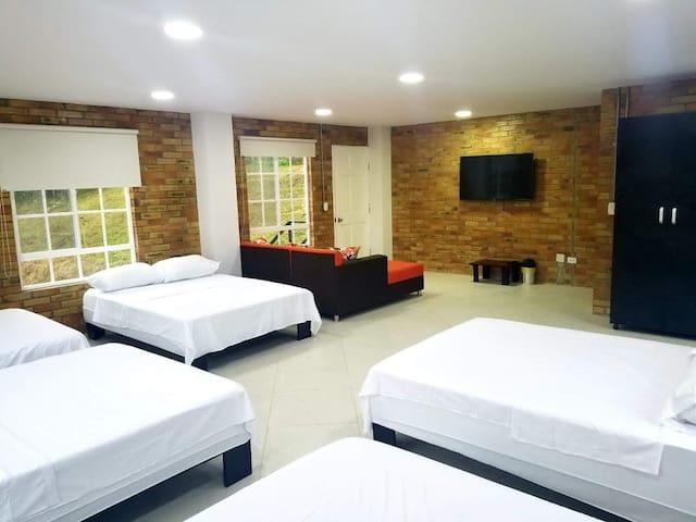 Open Loft for 10 People 4 Double Beds and 2 Single Beds with private bathroom and TV Room