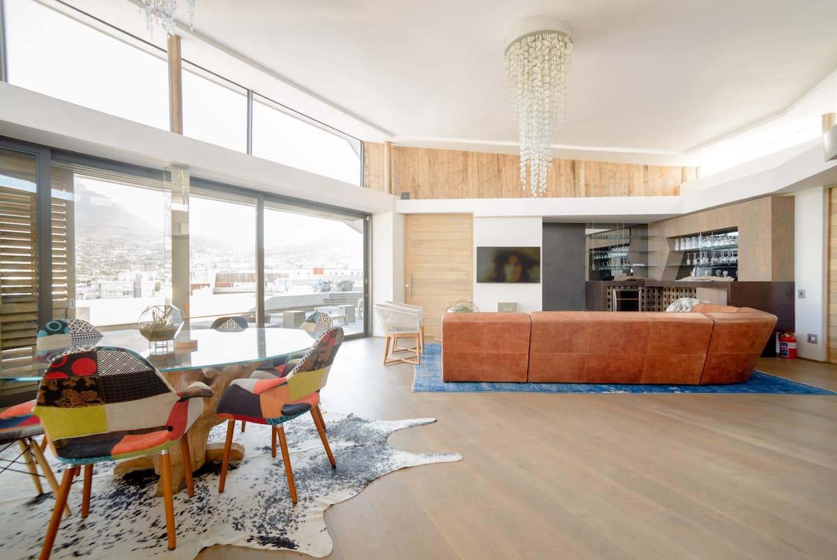Stunning Designer Penthouse Near Table Mountain