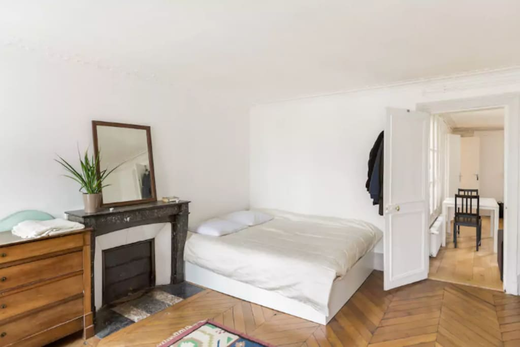 Chambre (Bedroom)
