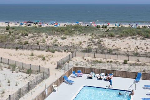 Noosa East at the Beachloft—soooo easy to be here.
