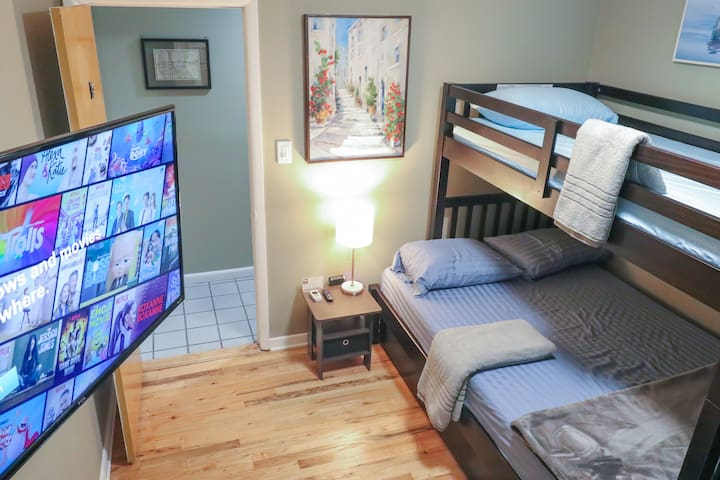 New, 20% Off: NYC 1 Stop! Bunk Beds! 2B