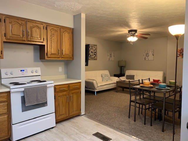 Howe Street Flats - Downtown Bloomington -Unit 103
