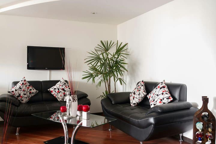 *SUITE*LUXURY*WIFI*LOCATION - Quito