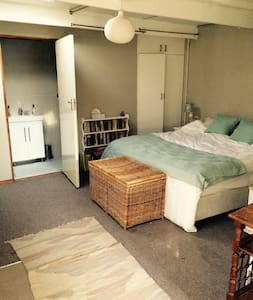 Separate self-catering cottage in quiet area.