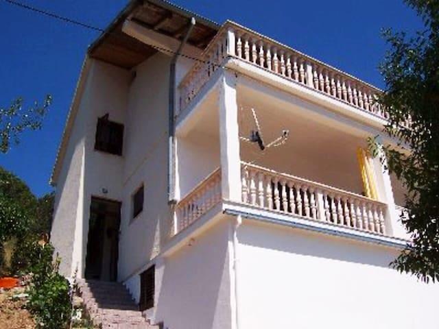 Beautiful Apartment on Island Ošljak near Zadar