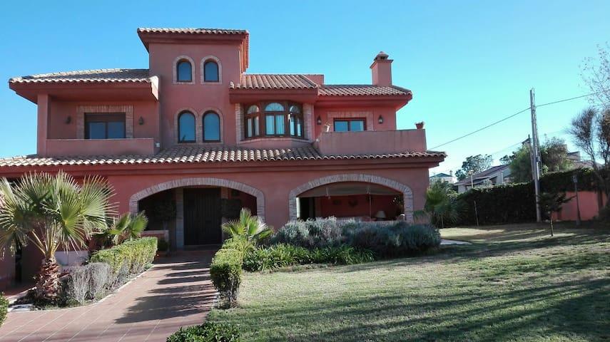Habitaciones privadas en Chalet Cartagena - Cartagena