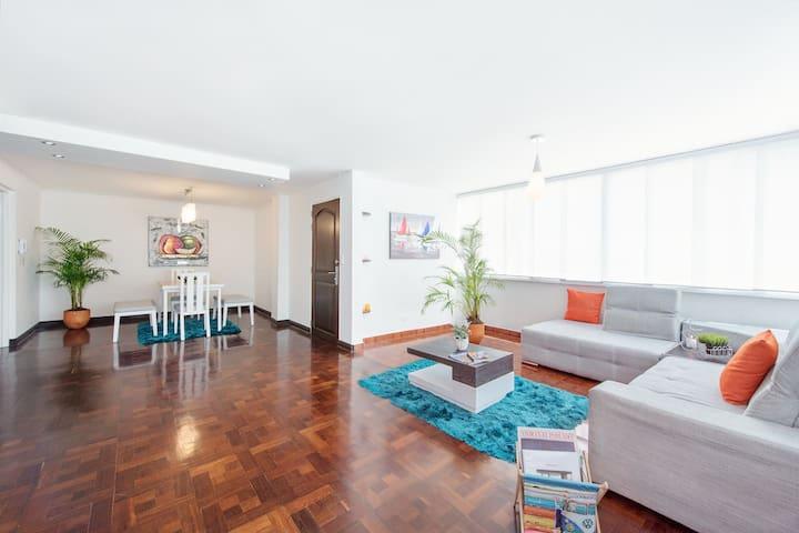 Gorgeous apartment in quiet family building