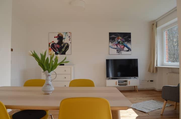 ⚓️ Schöne 2-Zimmer-Wohnung mit Balkon ⚓️