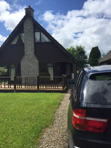 Lodge in Portumna on the shores of Lough Derg. - Portumna - Chatka w górach