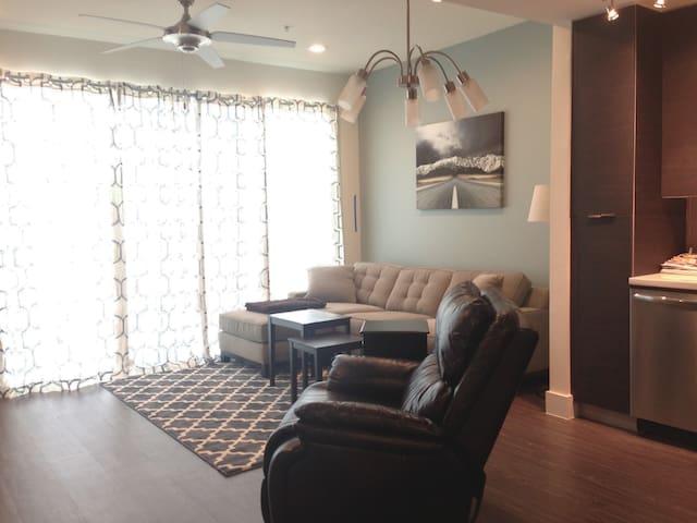 Modern Condo - Close to Downtown - Austin - Condominio